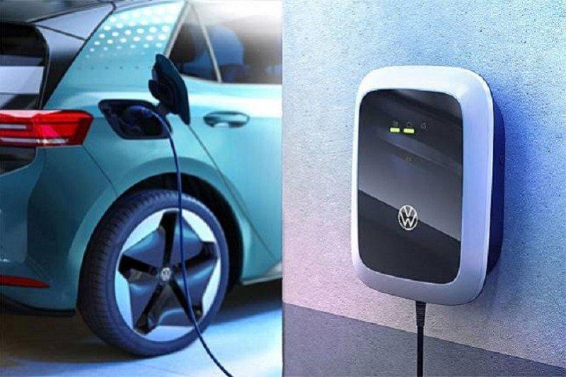 Kemarin, RI jadi produsen kendaraan listrik hingga bantuan mesin IKM