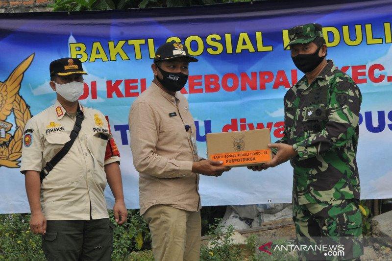 Bakti sosial TNI AU untuk warga terdampak COVID-19