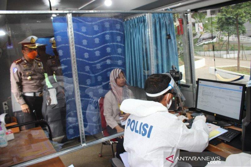 Polda Metro Jaya terbitkan 214 SIM untuk tenaga medis RS Wisma Atlet