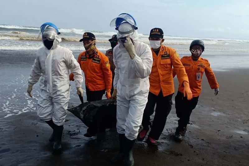 Tim SAR gabungan temukan satu wisatawan hilang di Pantai Jetis Cilacap