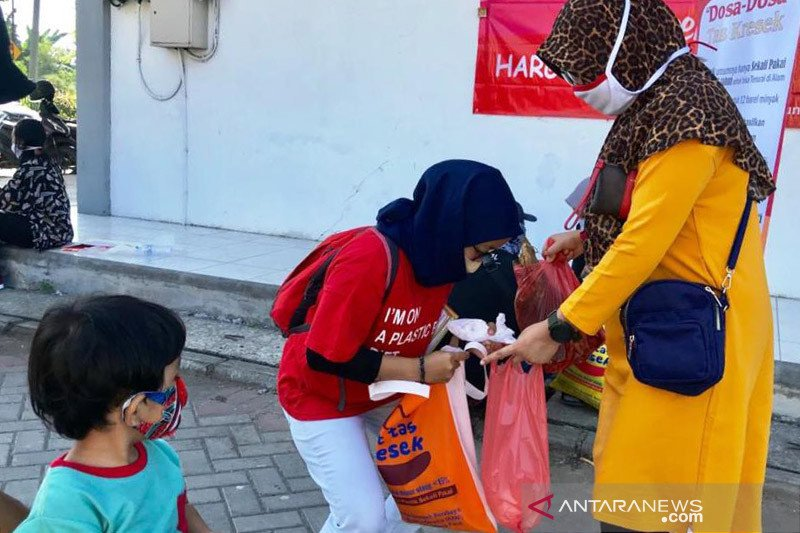 Komunitas Nol Sampah ingin Surabaya ikuti DKI terkait diet plastik