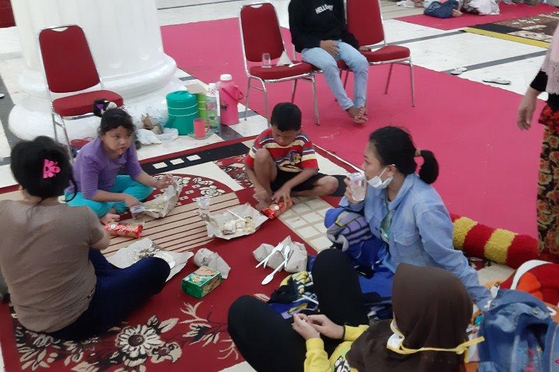 Korban banjir di Kota Gorontalo masih bertahan di pengungsian