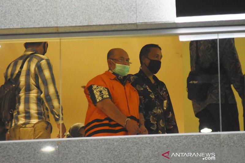 Bupati Kutai Timur dan istrinya ditahan KPK