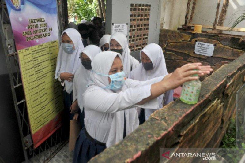 Cuci tangan 6-10 kali sehari maksimalkan pencegahan corona, kata pakar