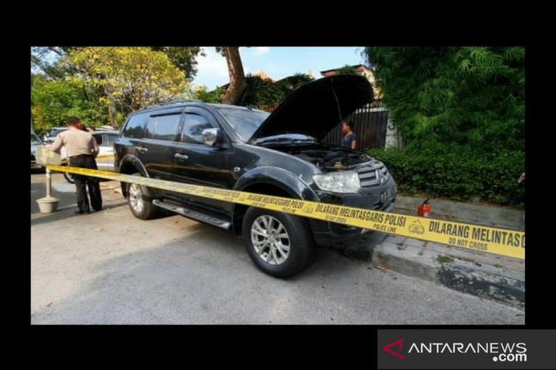 Polisi: Ledakan di Menteng akibatkan ban mobil kempes