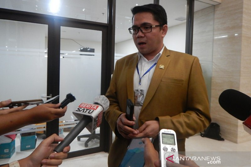 Arteria sebut DPR terpaksa setuju legislator maju pilkada harus mundur
