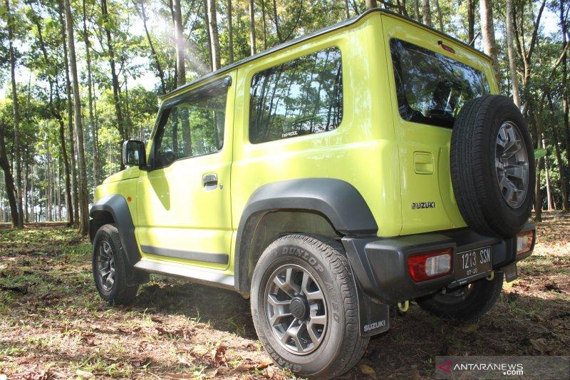 Suzuki Jimny, kombinasi sejarah dan fesyen otomotif