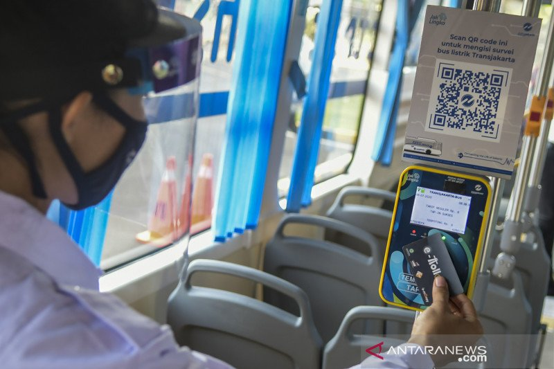 Transjakarta uji coba bus listrik rute Balai Kota-Blok M
