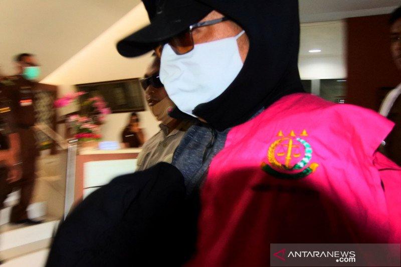 Kejaksaan tahan suami-istri tersangka korupsi dana Bank NTT