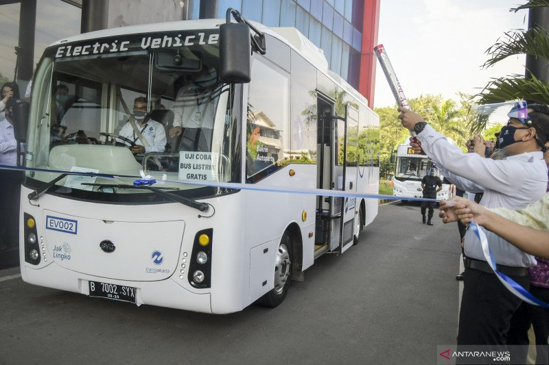 Dishub DKI minta warga ikut jaga fasilitas bus listrik selama uji coba