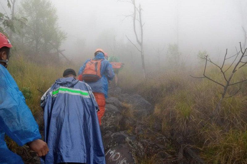 Basarnas Bali cari dua pendaki Gunung Agung tersesat