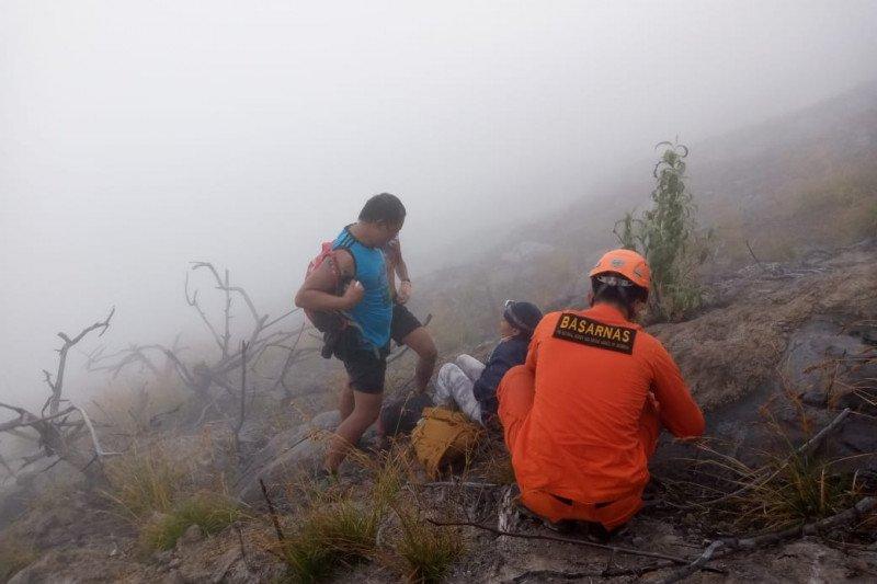 Tersesat naik Gunung Agung-Bali, Dua pendaki ditemukan selamat