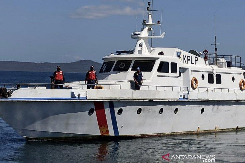 Kapal patroli KSOP Kupang masih cari penumpang