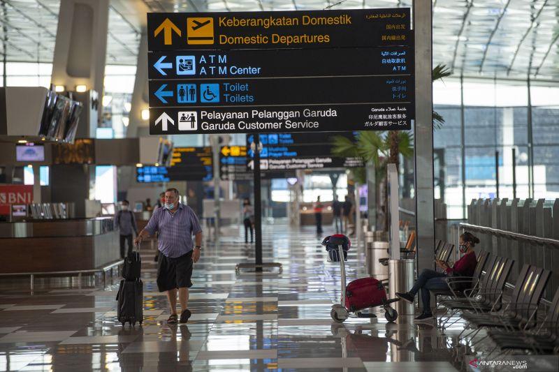 Erick Thohir puji penerapan protokol kesehatan di Bandara Soetta