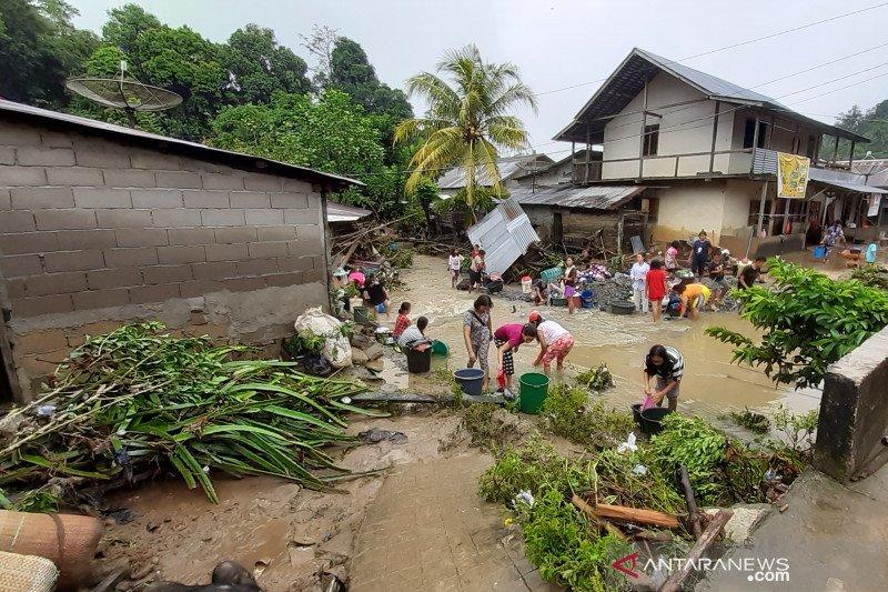 Infrastruktur rusak akibat banjir bandang Entikong segera diperbaiki