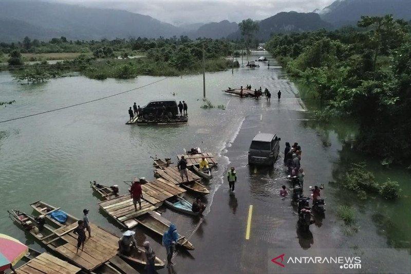 Banjir di Konawe Utara putus jalan Trans Sulawesi