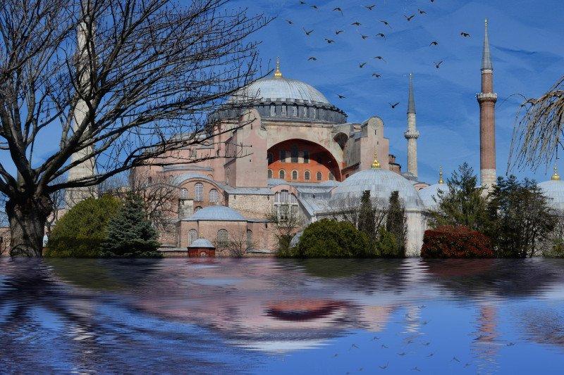 Hakim batalkan kebijakan Ataturk ubah Hagia Sophia jadi museum