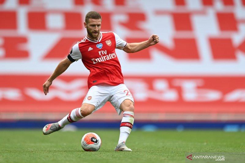 Mikel Arteta inginkan Shokdran Mustafi perpanjang kontrak dengan Arsenal