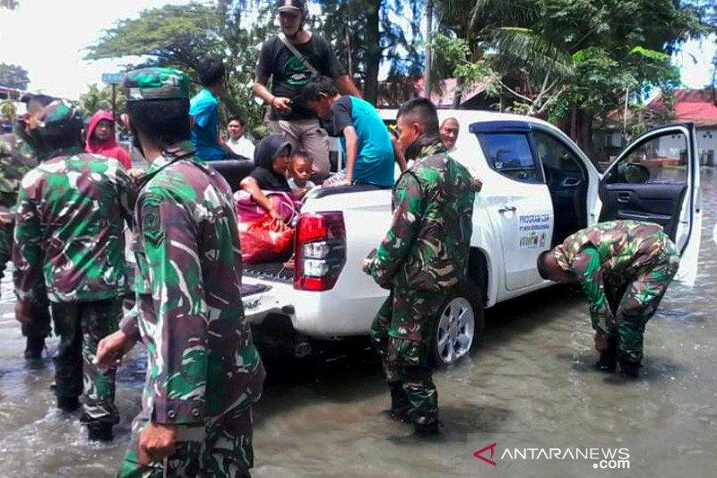 Banjir rob rusak puluhan rumah warga di Meulaboh Aceh Barat