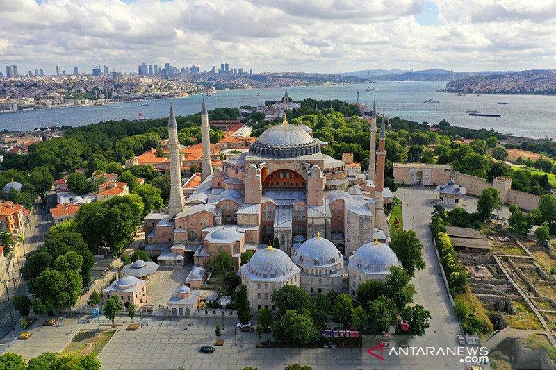 Politisi Malaysia: Negara Islamofobia jangan protes Hagia Sophia