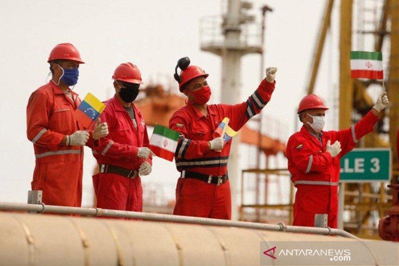 Menteri: Industri minyak Iran tak akan menyerah pada tekanan AS
