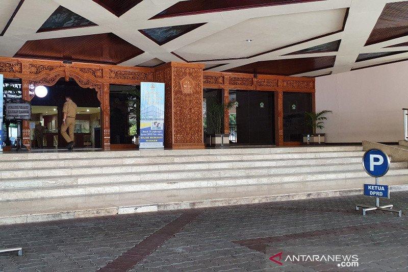 Gedung DPRD Jawa Tengah ditutup tiga hari akibat COVID-19