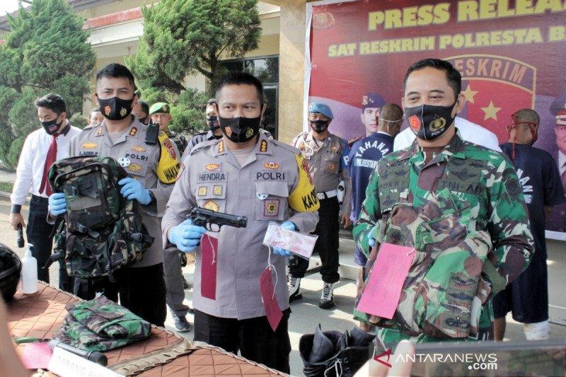 Polresta Bandung tangkap dua TNI gadungan pelaku begal sopir truk
