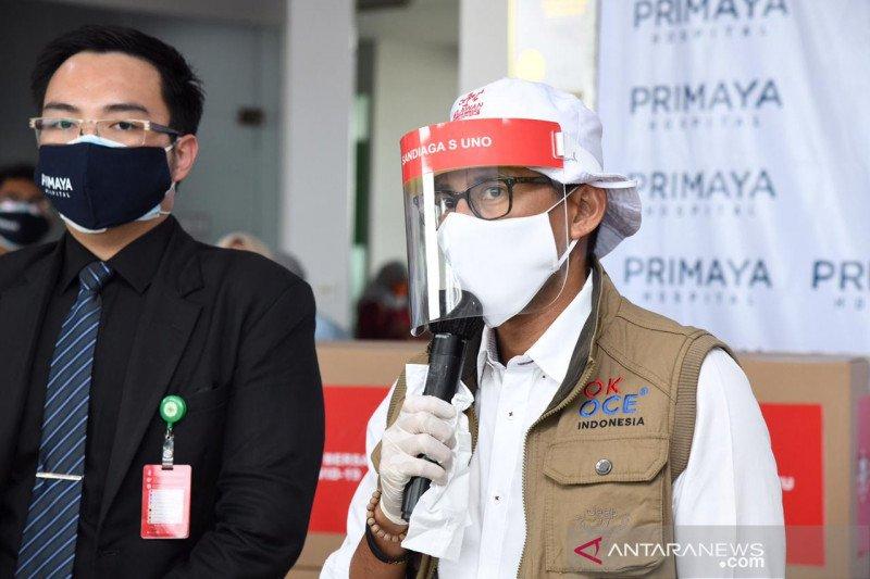 Sandiaga beri bantuan 5.650 APD bagi tenaga medis RS Primaya Bekasi