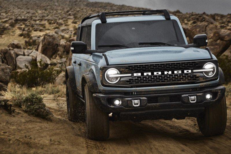 Ford Bronco lahir kembali, begini tampilannya sekarang
