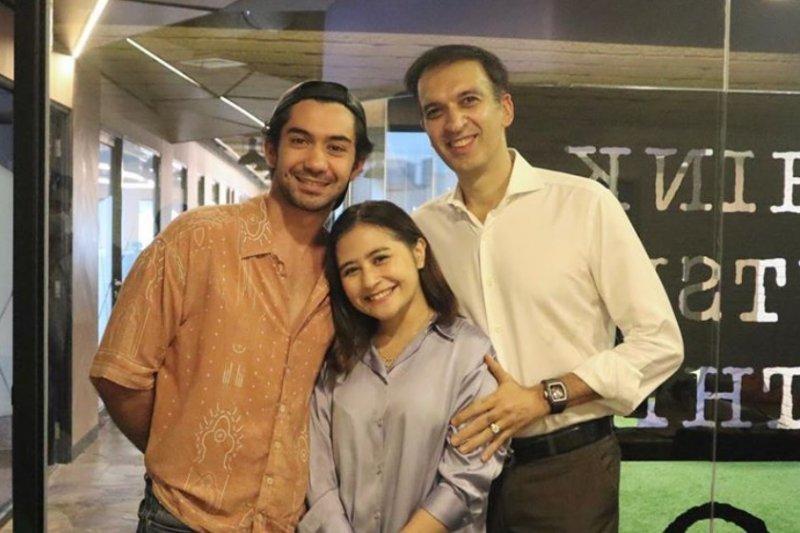 Reza Rahadian dan Prilly Latuconsina main