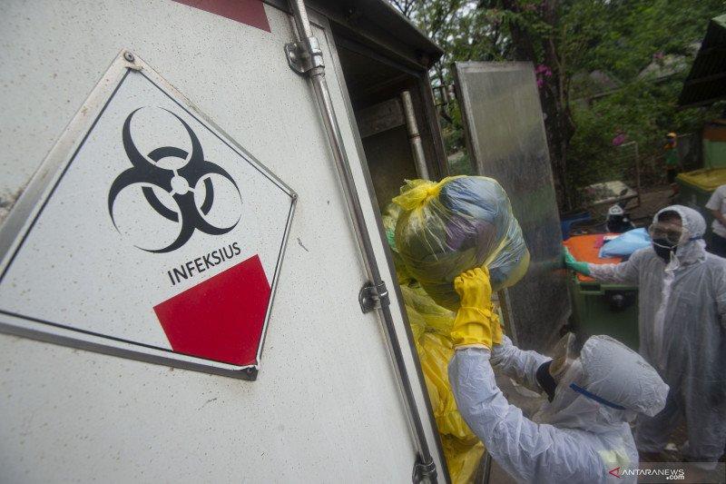 Peneliti: Sampah medis meningkat di muara sungai Teluk Jakarta