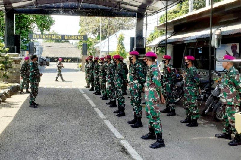Lantamal VI kerahkan personelnya bantu korban banjir bandang