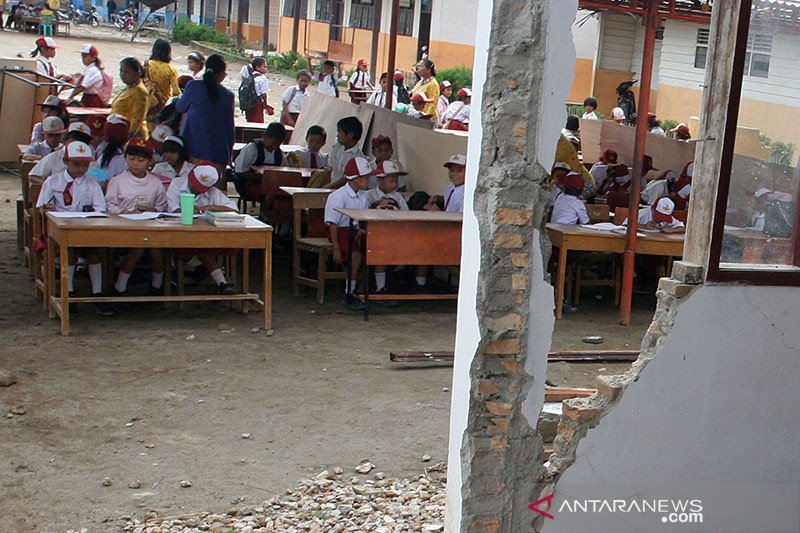 BMKG pasang pendeteksi dini gempa dan tsunami di Dairi