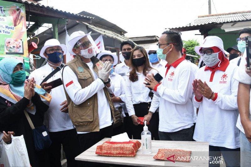 Relawan Indonesia Bersatu gelar tes cepat COVID-19 di Tanah Abang