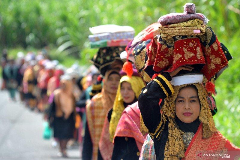 Arak-arakan pernikahan Minang