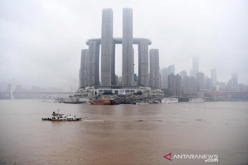 14 orang hilang setelah tabrakan dua kapal barang di China