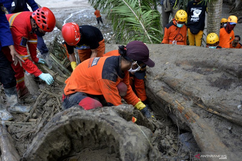 Korban jiwa banjir bandang di Masamba bertambah dua jadi 38 orang