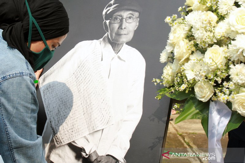 Wafatnya Sapardi Djoko Darmono tinggalkan duka mendalam bagi UI