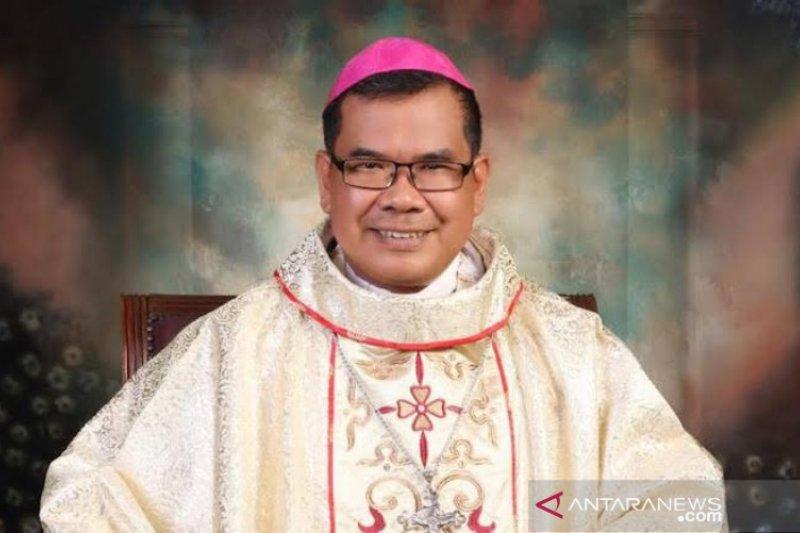 Uskup Agung Medan Mgr Kornelius Sipayung positif COVID-19