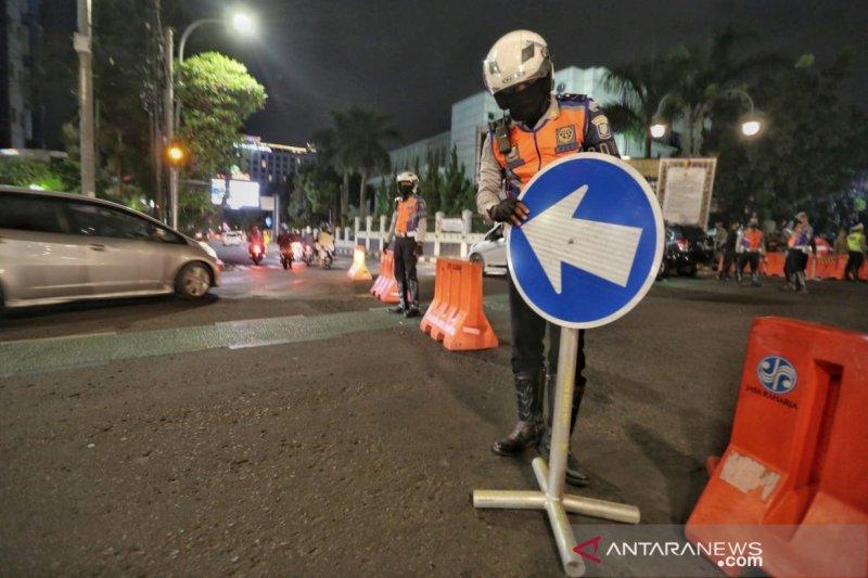 Polisi tutup akses masuk dari selatan Kota Bandung setiap malam hari