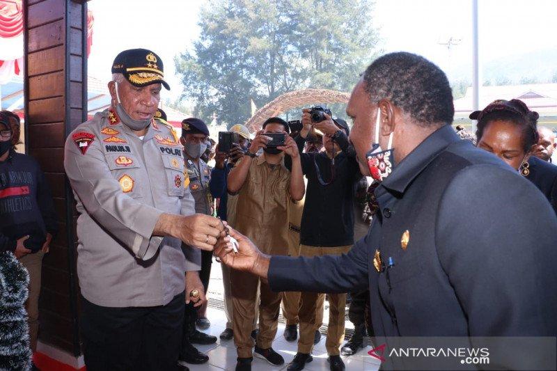 Kapolda Papua minta Kapolres Puncak terus sentuh tokoh masyarakat