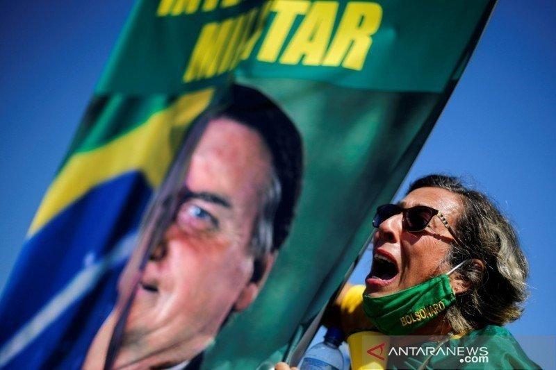Facebook blokir pendukung Jair Bolsonaro secara global