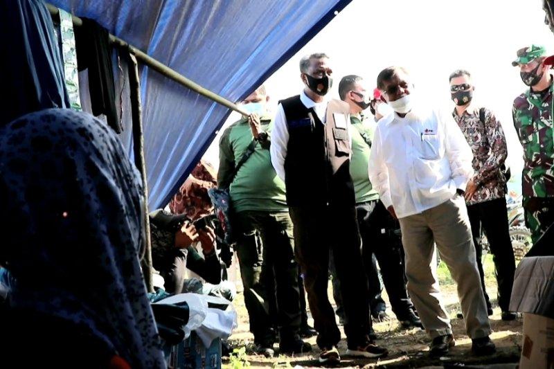 Jusuf Kalla tinjau lokasi banjir bandang di Luwu Utara