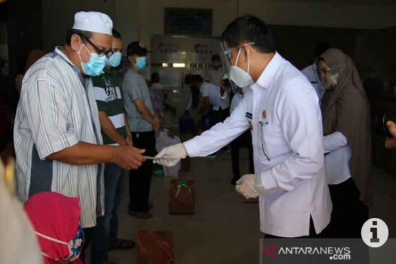 Wakil Bupati HSS antar kepulangan 20 pasien sembuh COVID-19