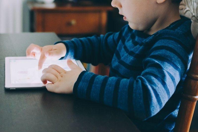Kiat orang tua buat konten edukatif untuk anak