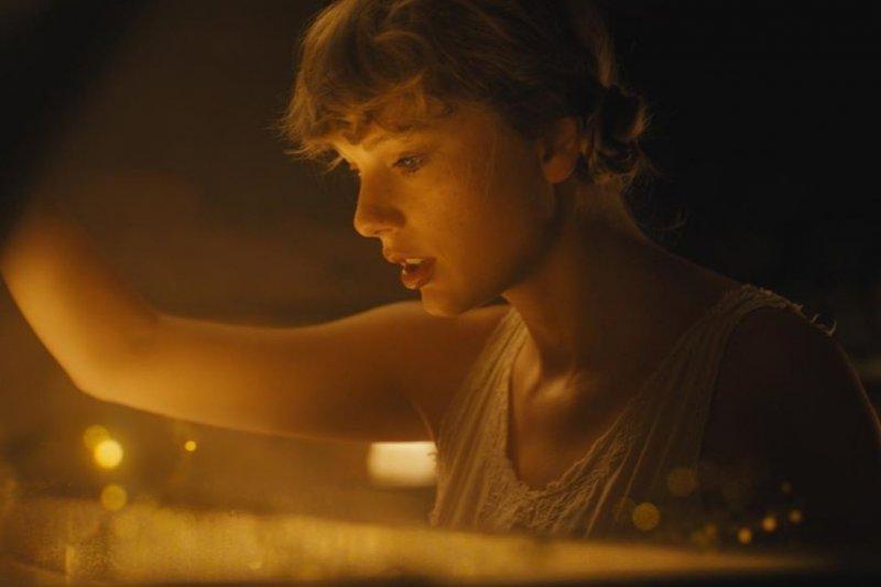 Taylor Swift rilis album baru