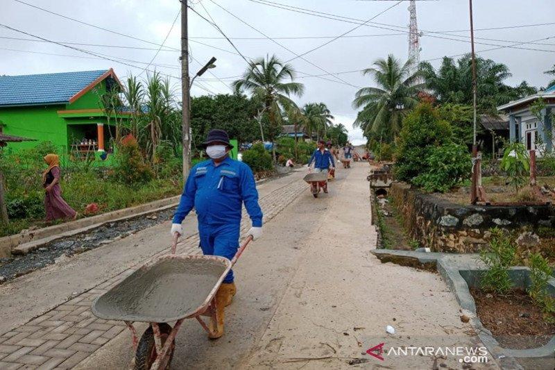 Saat pandemi, Indocement tetap bangun infrastruktur perdesaan Kalsel