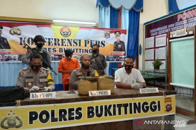 Akibat kecelakaan, Dua pemuda Payakumbuh tertangkap bawa 11 kg ganja