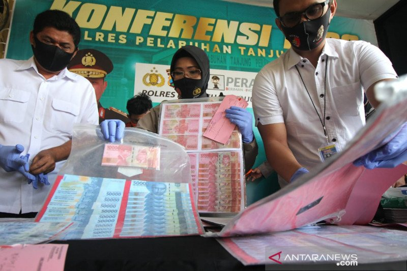 Polisi Pelabuhan Tanjung Perak ungkap peredaran uang palsu