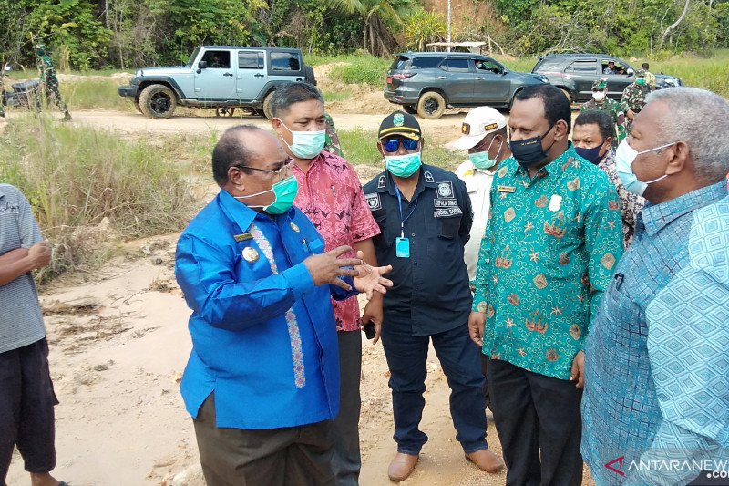 Sebabkan banjir di Kota Sorong, galian C ditinjau Gubernur Papua Barat